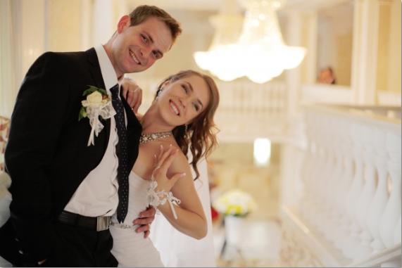 結婚式で新婦に喜んでもらえるサプライズを考えよう!