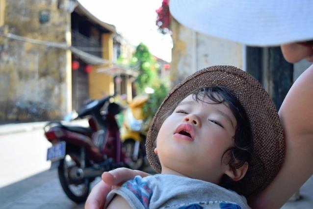 お子さんが熱中症になった時、正しい対応ができますか?