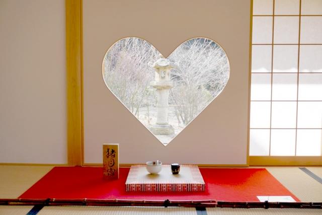 正寿院のハート形の窓
